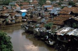 jakarta_slum2.jpg